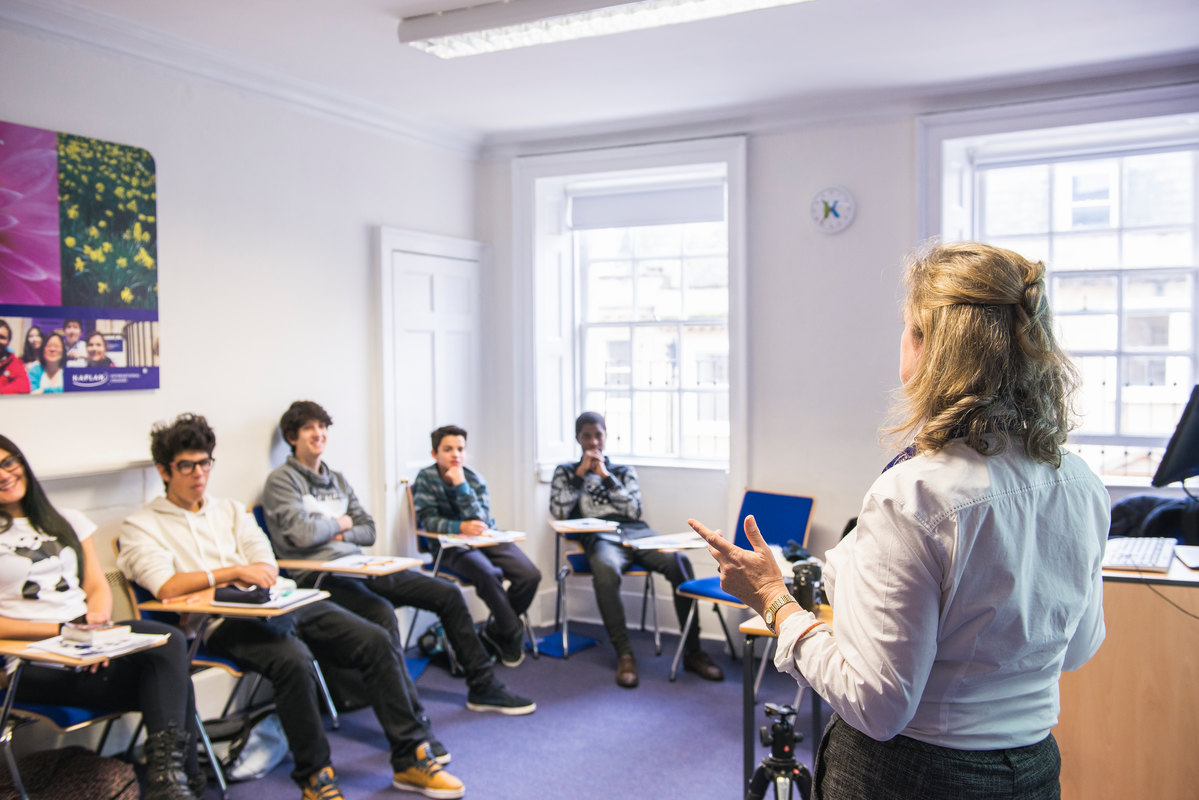 Language course image gallery